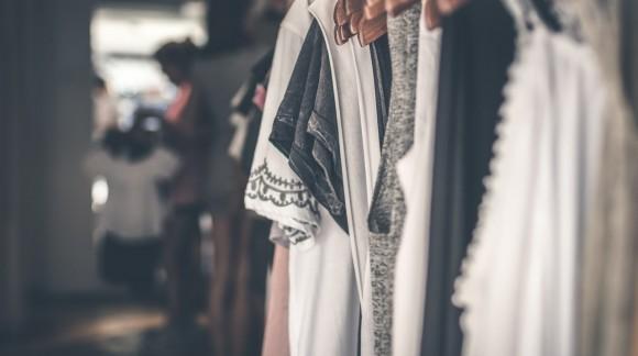 Co to jest outlet odzieżowy?
