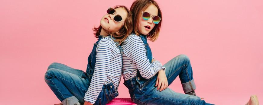Markowe stylizacje dla dzieci - dlaczego warto udać się na zakupy do outletu?